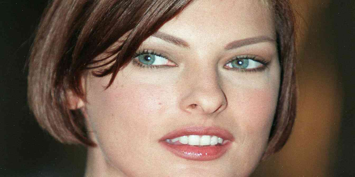 Linda Evangelista's ex sues model for £35,000 over 'illegal device' claims