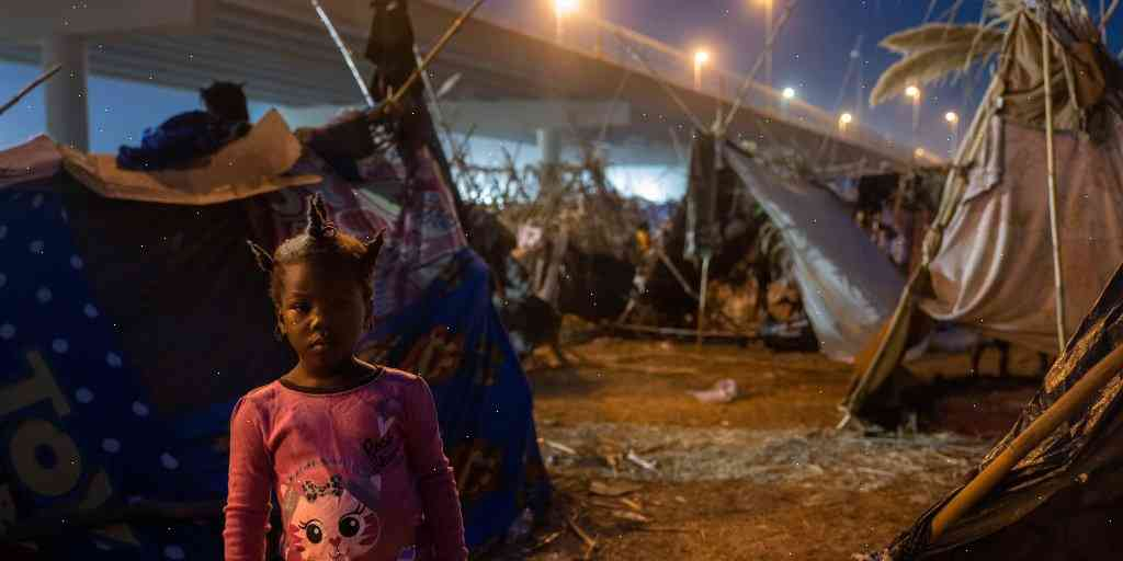 Hundreds of migrants detained in Haiti may be released into U.S. to replace some with walls
